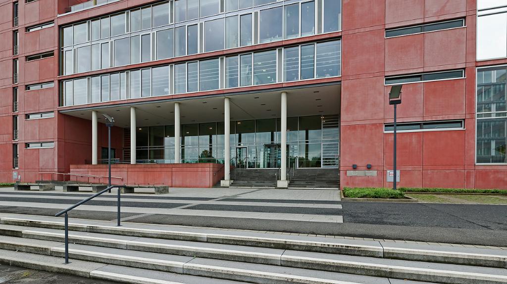 Finanzamtszentrum Aachen, Krefelder Straße 210, Foto: © JosWaS