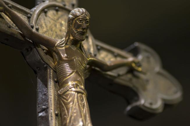 aachen cathedral sanctuary small crucifix | Foto: Thomas Hebbeker, © Domkapitel Aachen | Fotoclub 2000 Aachen