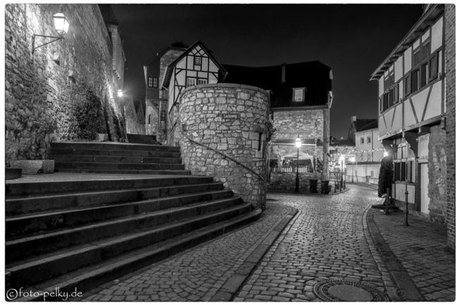 Stolberg bei Nacht | © Eckhard Pelky | Arbeitsgruppe SW-Monochrom im Fotoclub 2000 Aachen